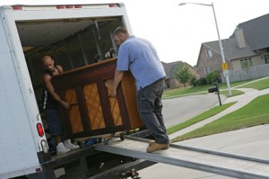 Don T Trust An Untrained To Move Your Heavy And Expensive Piano With The Help Of A Professional Mover From J Barber Moving Storage